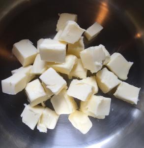 Beurre coupé en cubes Delphinn