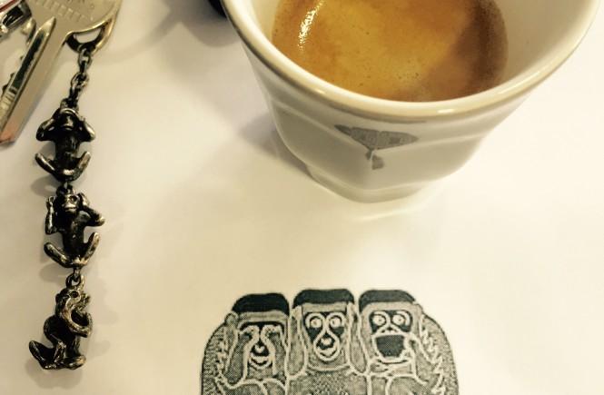 Et quand le nouveau logo de la marque reprend les 3 petits singes de la sagesse... j'adore !  @Delphinn
