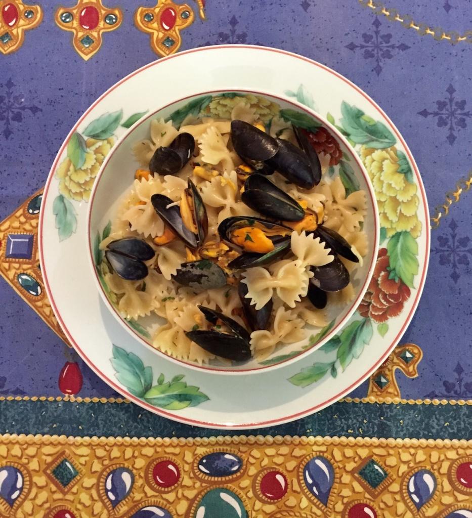 dégustation des pâtes aux moules à la romaine